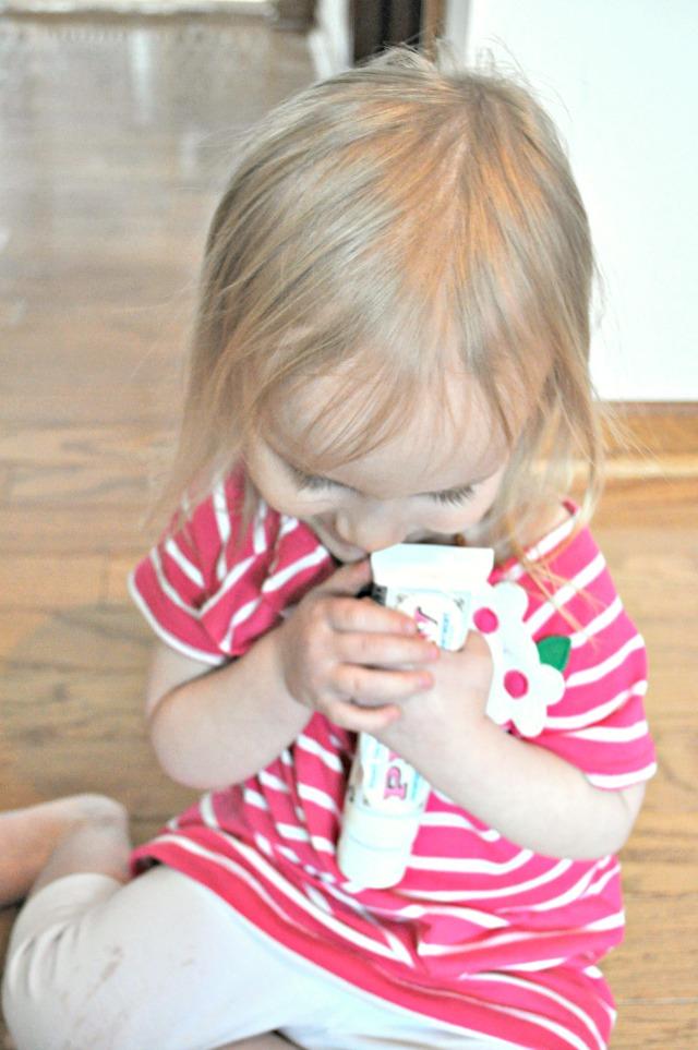 baby with diaper rash cream
